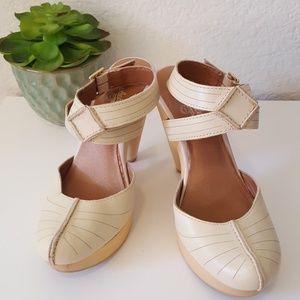 Seychelles retro style heels 6.5